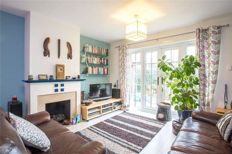 3 Bedrooms End Of Terrace House for sale in Albany Row, The Causeway, London, N2