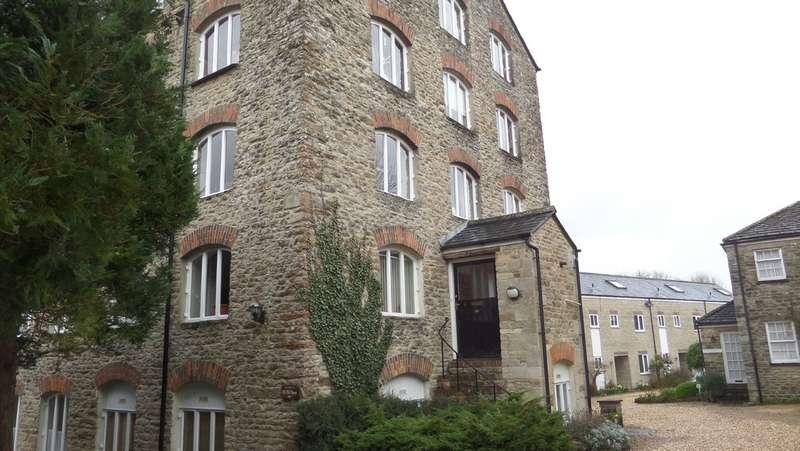 2 Bedrooms Flat for rent in Inner Silk Mills, Malmesbury