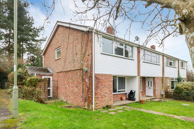 3 Bedrooms End Of Terrace House for sale in Sway, Hampshire