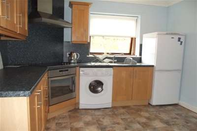 2 Bedrooms Flat for rent in Grierson Street, Riddrie, G33