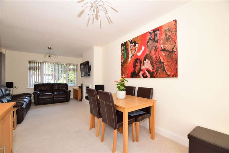 4 Bedrooms Semi Detached House for sale in Robins Close, , Lenham, Maidstone, Kent