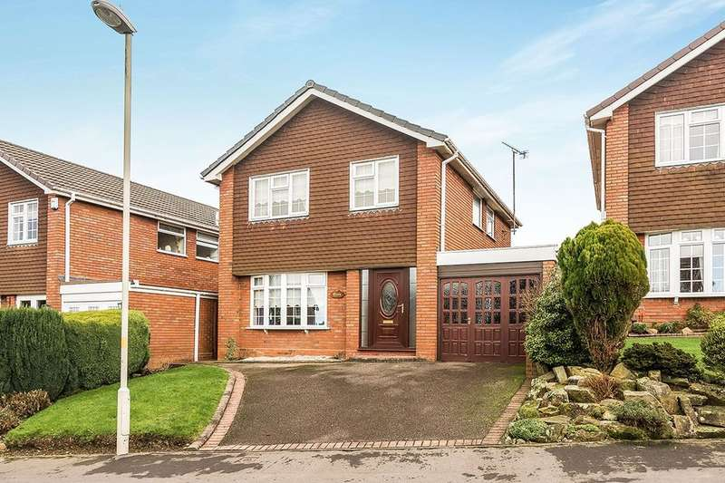 4 Bedrooms Detached House for sale in Avington Close, Sedgley, Dudley, DY3