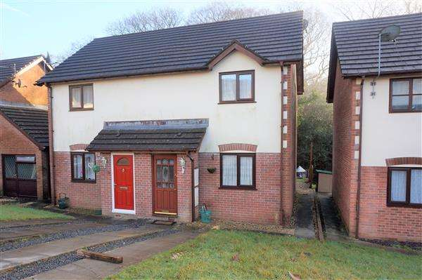 2 Bedrooms Semi Detached House for rent in Nant Arw, CAPEL HENDRE, Ammanford