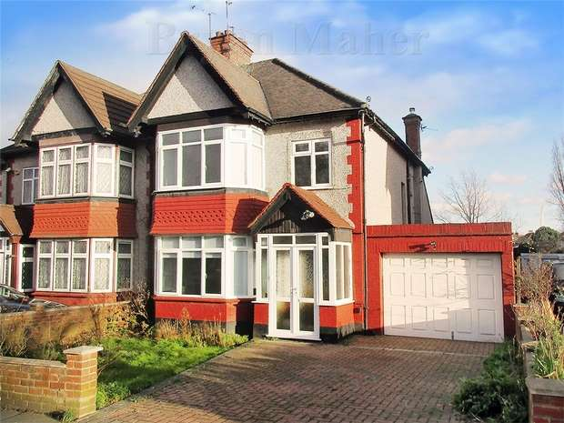 3 Bedrooms Semi Detached House for sale in Castleton Avenue, WEMBLEY