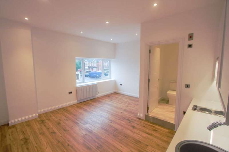 Studio Flat for sale in New Broadway, Worthing