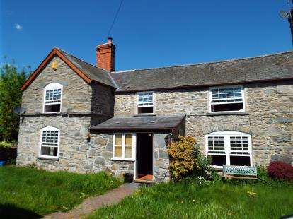 3 Bedrooms Semi Detached House for sale in Cynwyd, Corwen, Denbighshire, LL21