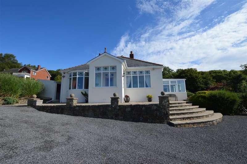 3 Bedrooms Detached Bungalow for sale in Gwscwm Road, Pembrey, Burry Port