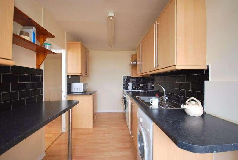 3 Bedrooms House for rent in MARTLET GROVE, NORTHOLT, MIDDLESEX, UB5 6ES