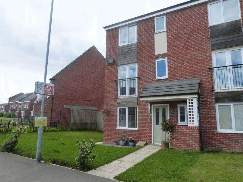 4 Bedrooms Town House for sale in Harrington Way, Ashington - Four Bedroom Town House