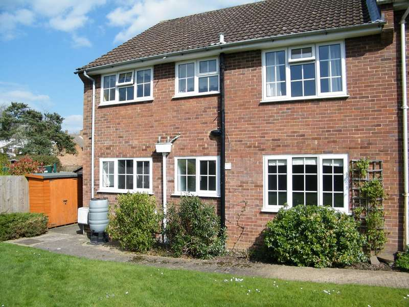 2 Bedrooms Ground Flat for rent in Digswell Rise, WELWYN GARDEN CITY, AL8