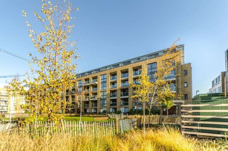 2 Bedrooms Flat for sale in Arlington Avenue, Islington, N1