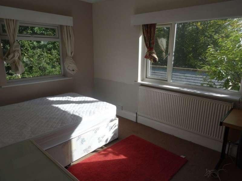 6 Bedrooms Property for rent in Otley Road, Headingley, Leeds