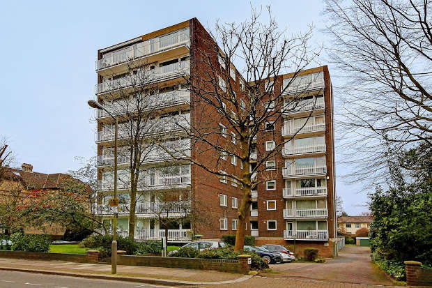 3 Bedrooms Flat for sale in Putney Hill, Putney, London, SW15