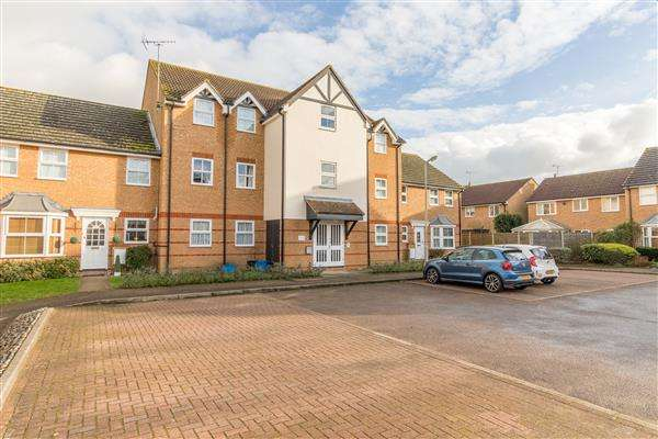 2 Bedrooms Apartment Flat for rent in Lee Close, Stanstead Abbotts
