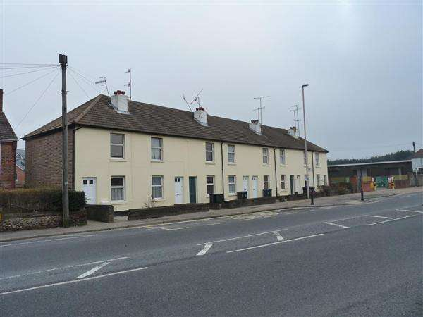 2 Bedrooms Apartment Flat for rent in Sompting Road, Worthing