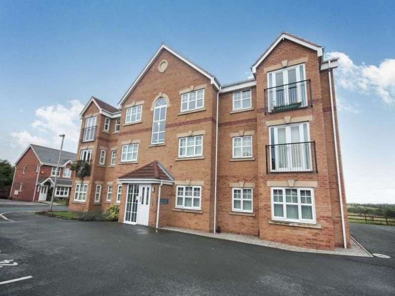 2 Bedrooms Flat for rent in Longacre, Hindley Green, Wigan, WN2