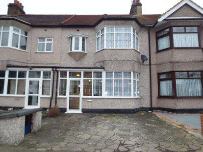 3 Bedrooms Terraced House for sale in Newbury Park, Essex