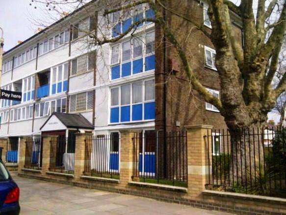3 Bedrooms Flat for sale in Devonshire Road, Chiswick, W4