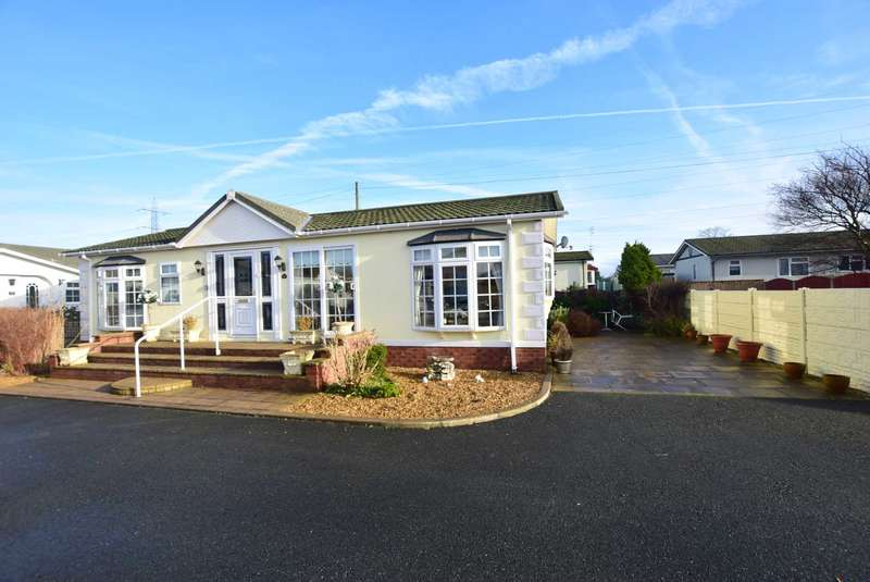 2 Bedrooms Park Home Mobile Home for sale in Sanraya Avenue, Blackpool