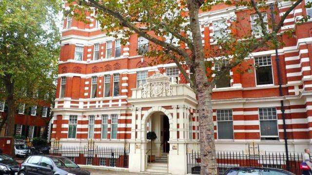 2 Bedrooms Flat for sale in Queen's Gate, South Kensington, SW7