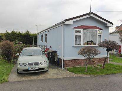 1 Bedroom Bungalow for sale in Dome Village Lower Road, Hockley, Essex