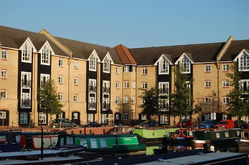 2 Bedrooms Flat for sale in Apsley Lock, Hemel Hempstead