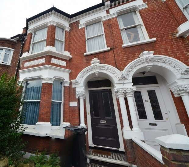 4 Bedrooms Terraced House for sale in Ashmere Grove , London, SW2