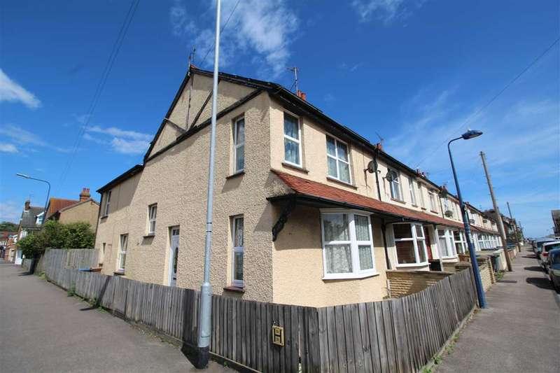 5 Bedrooms House for sale in Langer Road, Felixstowe
