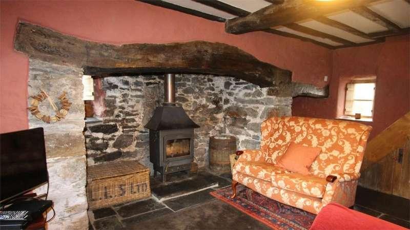 2 Bedrooms Semi Detached House for sale in 1 Gorphwysfa, Mallwyd, Gwynedd