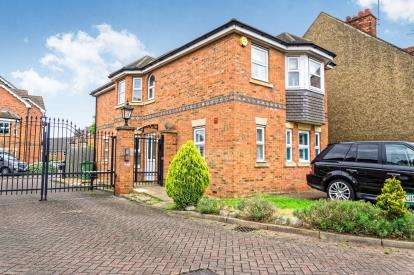 3 Bedrooms Detached House for sale in Gilbert Mews, Leighton Buzzard, Bedford, Bedfordshire