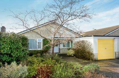 3 Bedrooms Bungalow for sale in Gillingham, Dorset