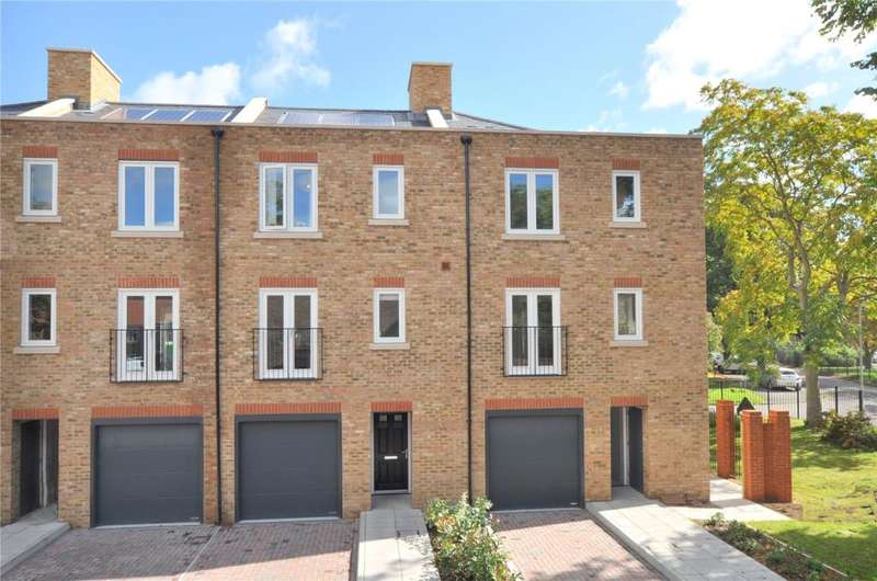 3 Bedrooms Mews House for rent in King William Close, Chichester, West Sussex, PO19