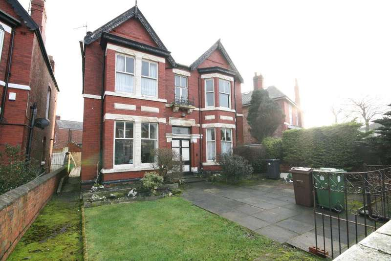 4 Bedrooms Detached House for sale in Lansdowne Road, Southport, PR8 6AJ
