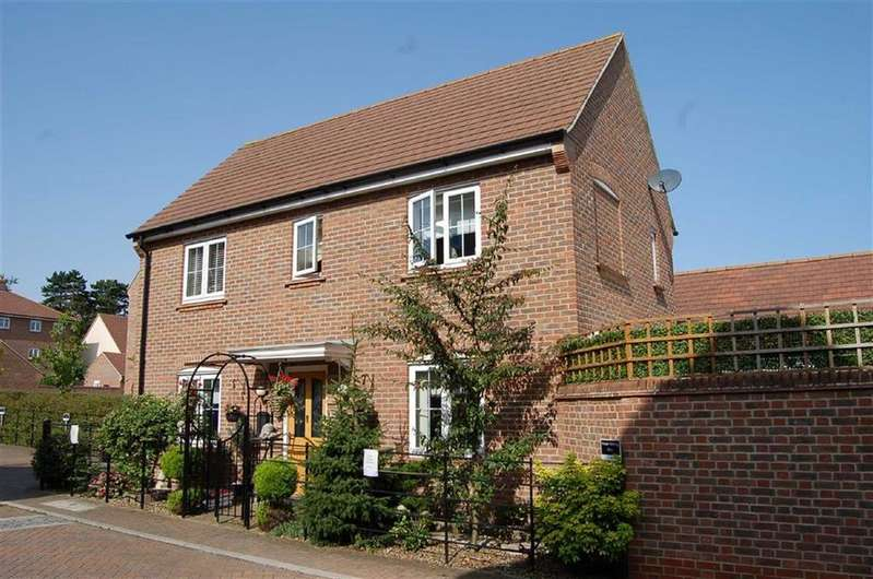 3 Bedrooms Detached House for sale in Lindsell Avenue, Letchworth Garden City, Hertfordshire