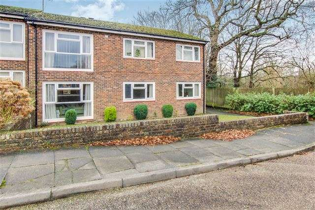 2 Bedrooms Maisonette Flat for sale in Furnace Green