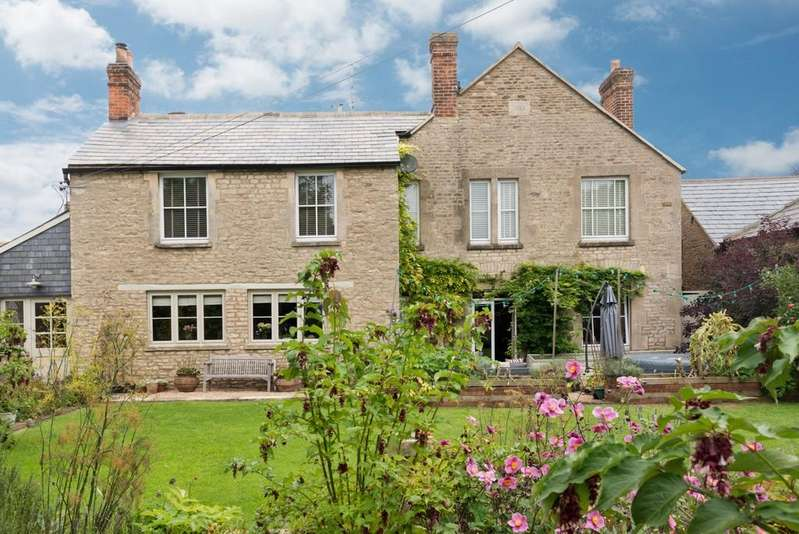 5 Bedrooms Detached House for sale in Fairford