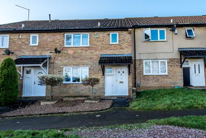 3 Bedrooms Terraced House for sale in Pilton Close, Northampton, Northamptonshire, NN3