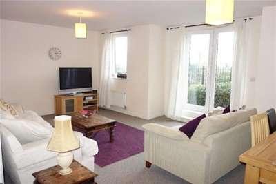 3 Bedrooms Flat for rent in Hampden Gardens, CB1