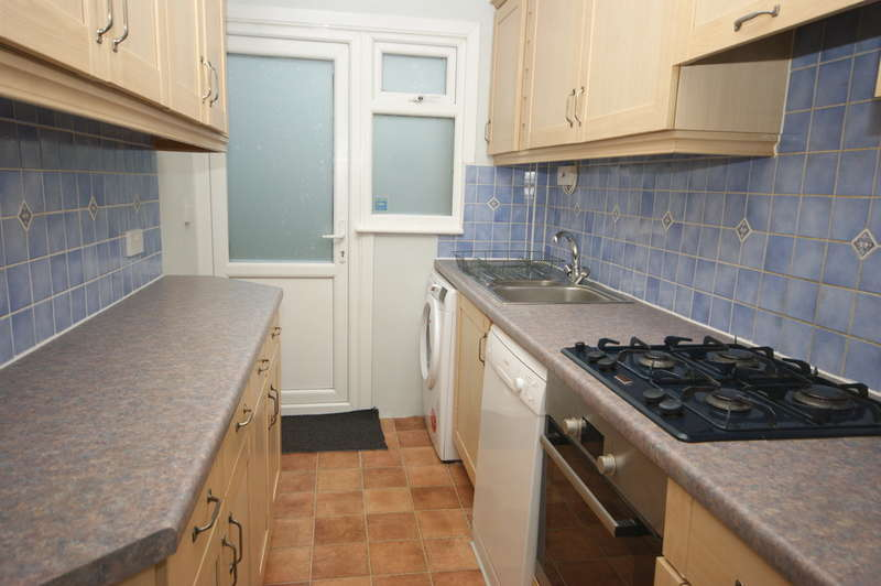 3 Bedrooms Terraced House for rent in Capthorne Avenue, Harrow