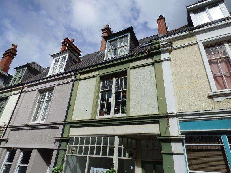 1 Bedroom Maisonette Flat for rent in Flat 2, Castle Buildings,Station Road, Llanfairfechan