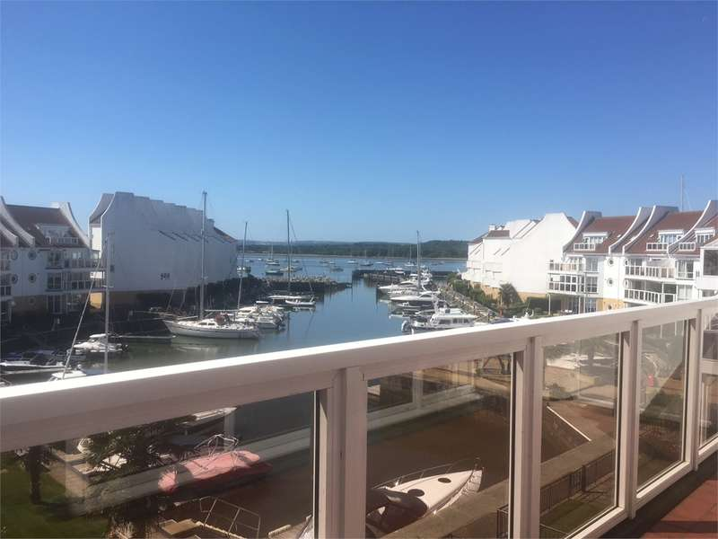 2 Bedrooms Flat for rent in Moriconium Quay, Poole
