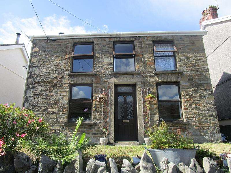 2 Bedrooms Detached House for sale in Alltygrug Road, Ystalyfera, Swansea.