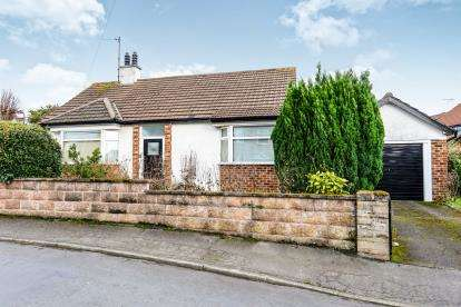 2 Bedrooms Bungalow for sale in Pant Teg, Deganwy, Conwy, North Wales, LL31