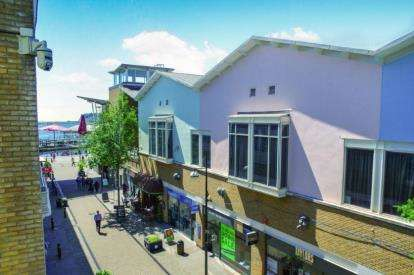 2 Bedrooms Flat for sale in Ocean Buildings, Bute Crescent, Cardiff