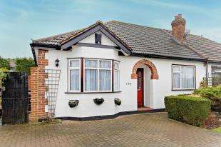2 Bedrooms Bungalow for sale in The Glade, Shirley, Croydon, Surrey