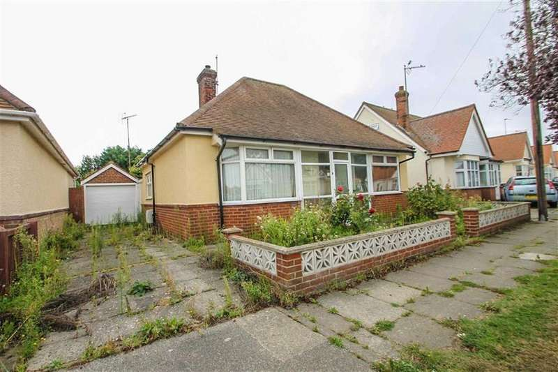 2 Bedrooms Detached Bungalow for sale in Canterbury Road, Holland-on-Sea
