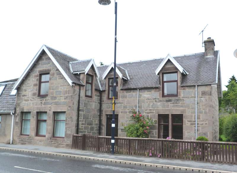 3 Bedrooms Semi Detached House for sale in Main Street, Newtonmore, PH20 1DR