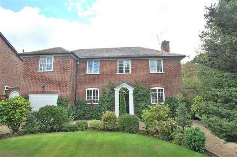 4 Bedrooms Detached House for sale in Moor Lane, Woodford, Cheshire