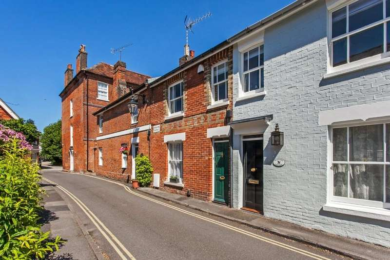 2 Bedrooms Terraced House for sale in Culver Road, Winchester, SO23