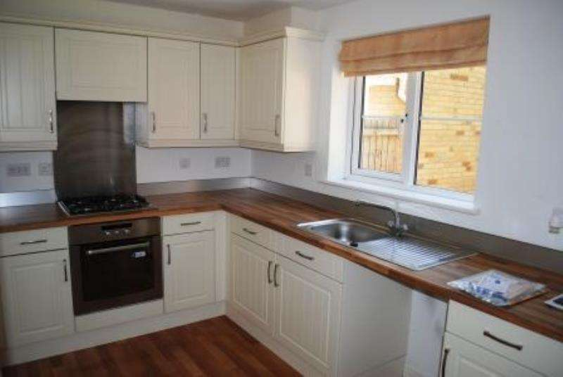 3 Bedrooms Detached House for rent in Coed Celynen Drive
